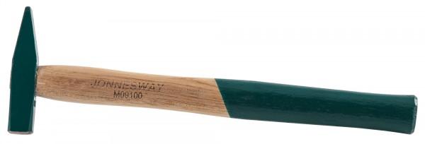 Молоток с деревянной ручкой